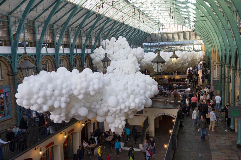 100000-balloons-covent-garden-heartbeat-charles-petillon-2