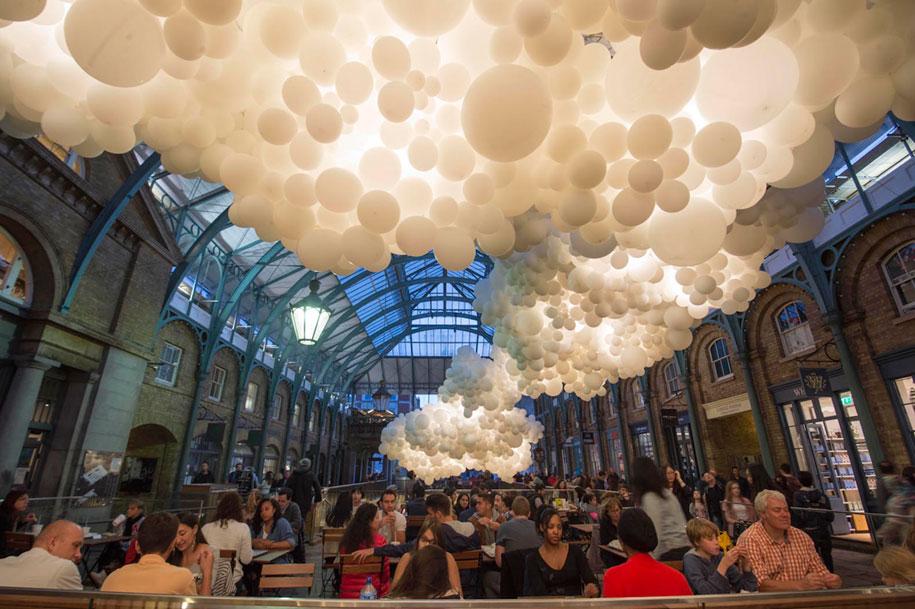 100000-balloons-covent-garden-heartbeat-charles-petillon-3